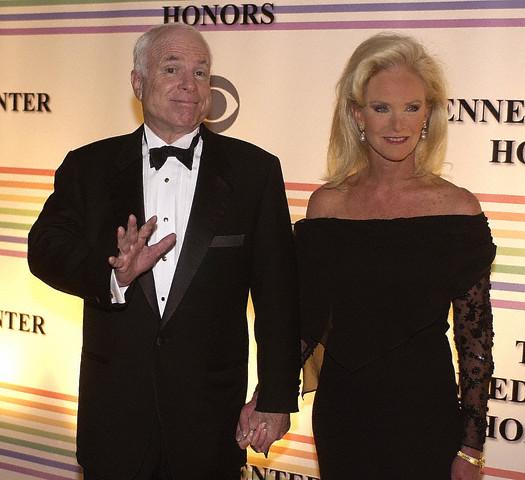 Cindy & Meghan McCain… Dumb Blondes