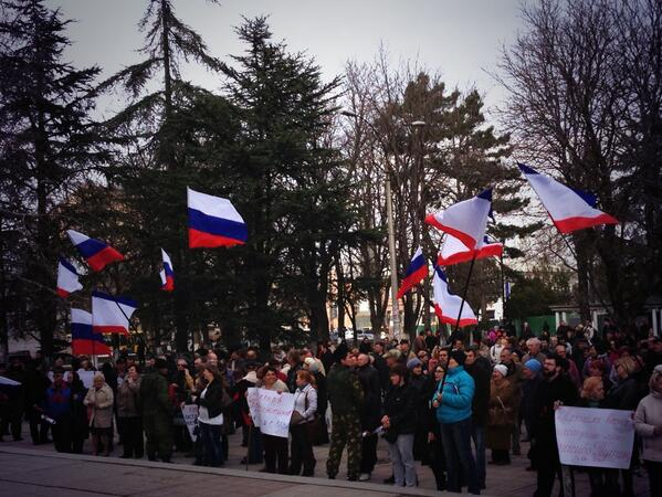 "Crimeans chant ""Glory to Russia"" after parliament votes to join Russia"