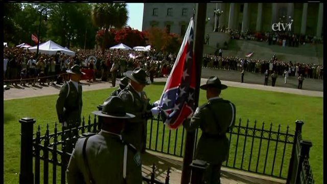 """Confederate Battle Flag lowered in South Carolina after """"compromise"""" is repudiated"""